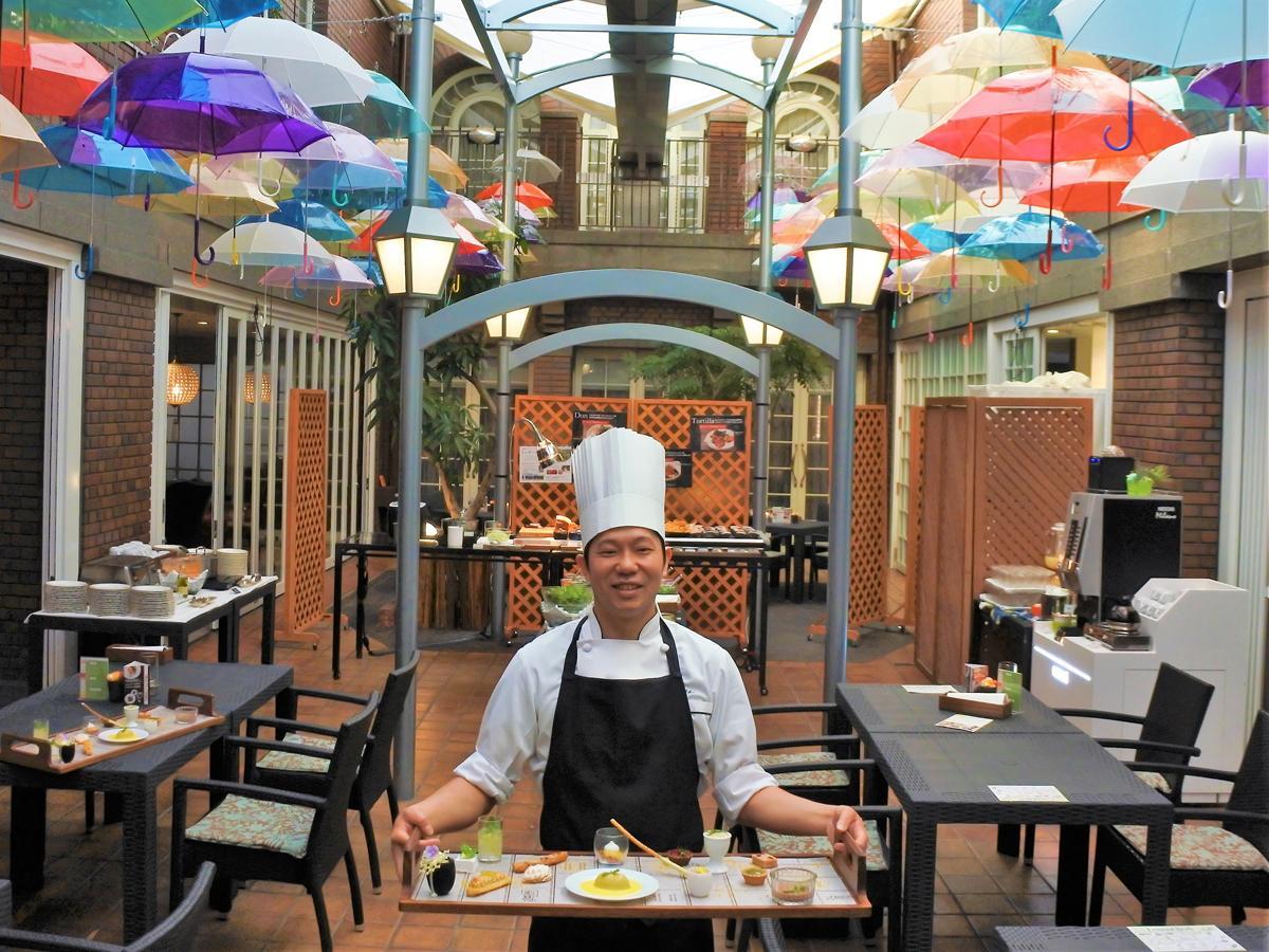 「ナイトデザートブッフェ」のスイーツをプロデュースする神戸北野ホテルのパティシエ・本部未央さん