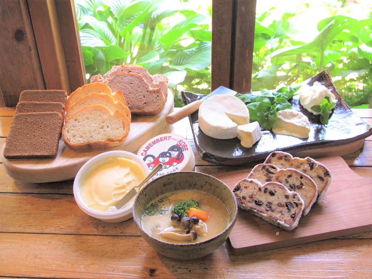 観光キャンペーン「おとな旅・神戸」2018年度プログラムでは、弓削牧場でパンとシュトレンの食べ比べなどを行う「HYOGOシュトレン・フェスト2018 in 弓削牧場」などを展開