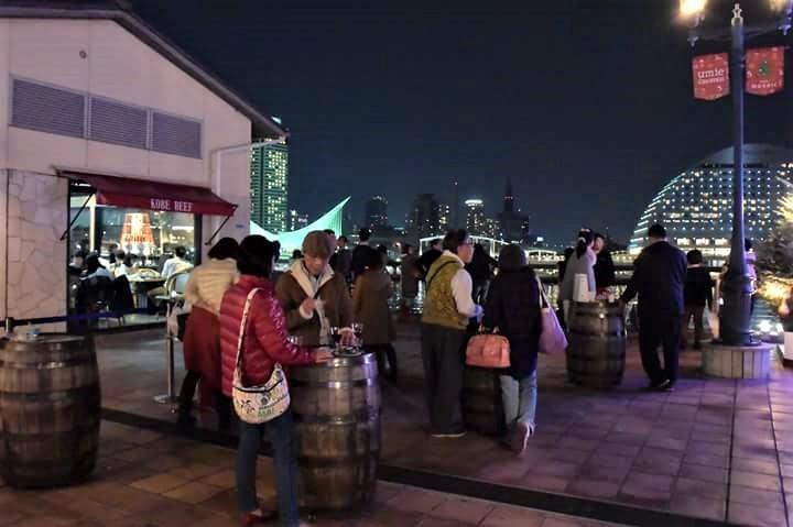 神戸ハーバーランドの商業施設「umieモザイク」2階「光の広場」でボージョレ・ヌーボーの解禁を祝うイベント「ボジョパ(Beaujolais Nouveau Party)」開催