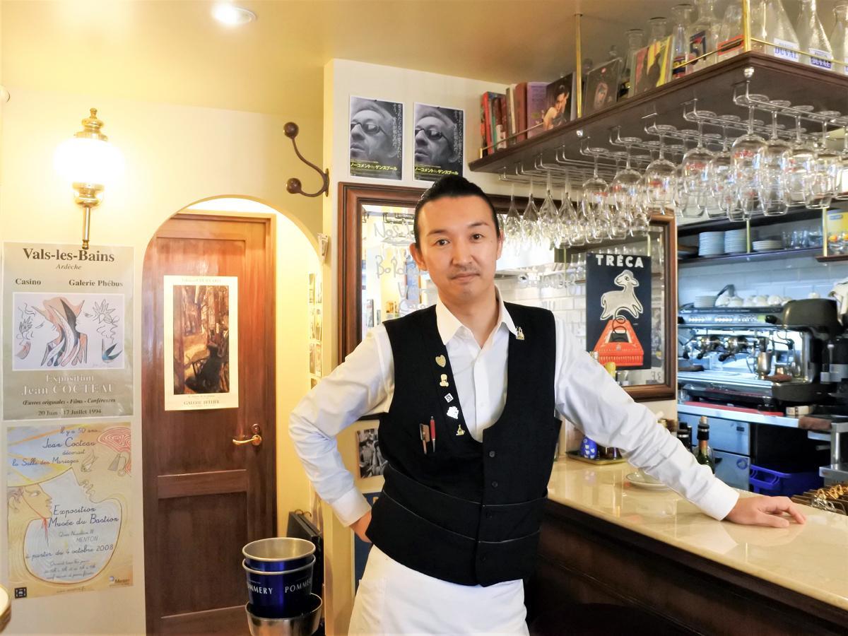 フランス料理店「BRASSERIE L'OBABON(ブラッスリーロバボン)」オーナーギャルソンの小場佐慎也さん