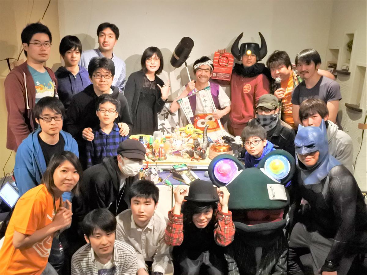 事前に応募した初参加を含む18組が「神戸ヘボコン」に出場
