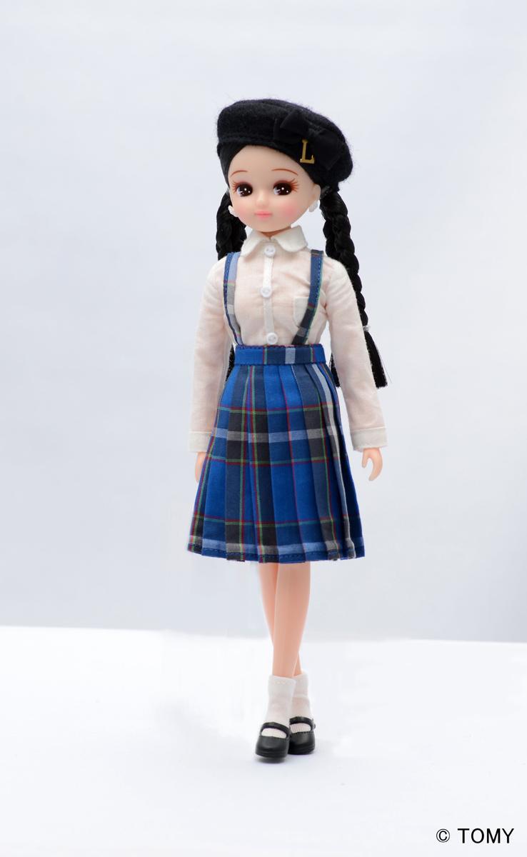 「神戸タータン」コーディネイトの「スクールガール」リカちゃん(人形とドレスセットは別売)