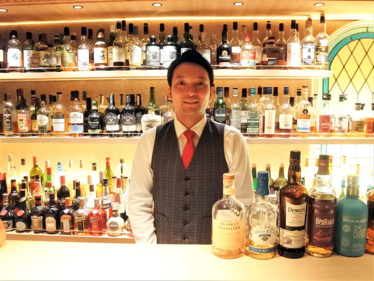オーセンティックバー「Bar unpas(バー アンパ)」店主の村本恭一さん