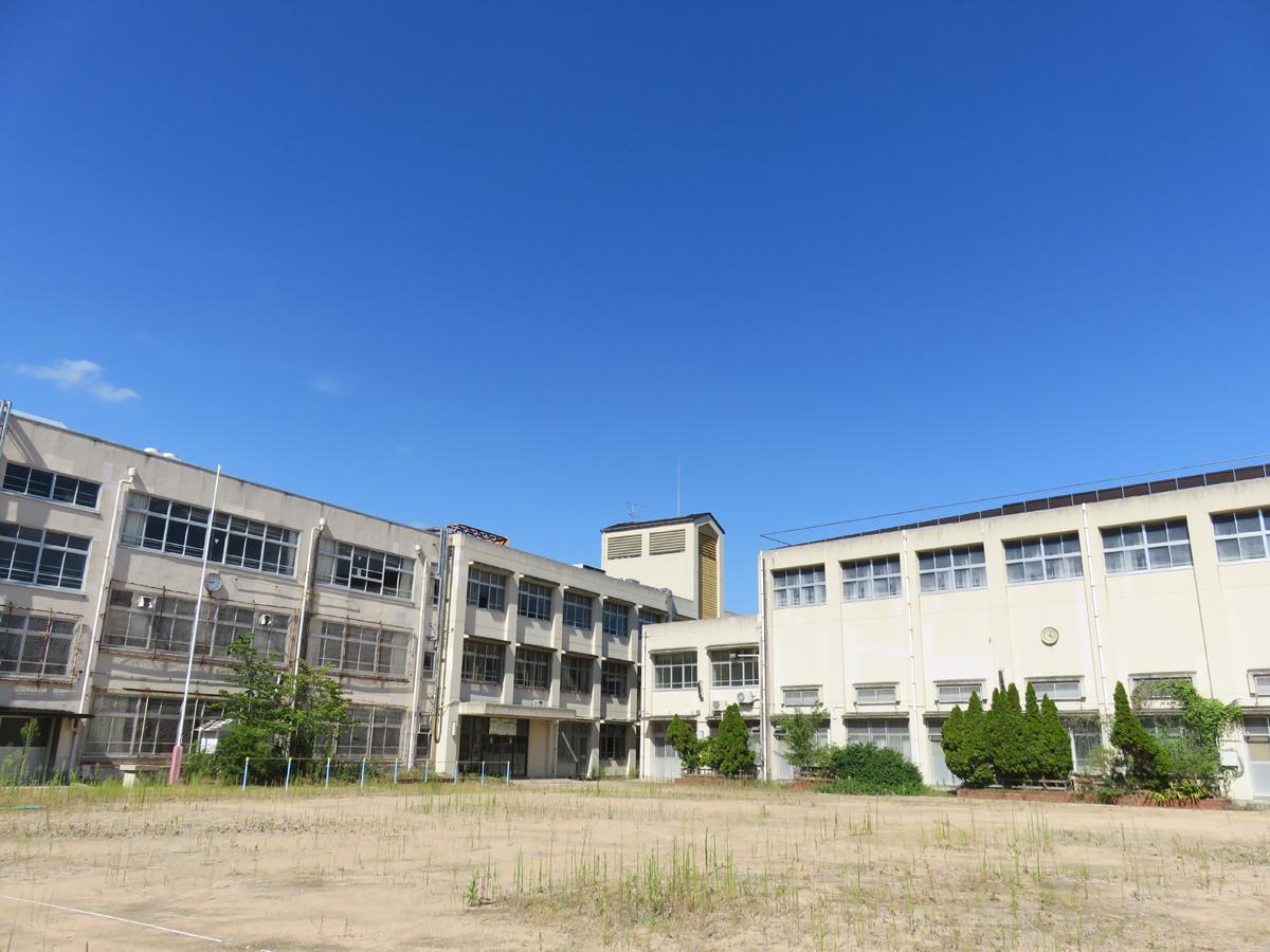 神戸・旧湊山小学校の校舎