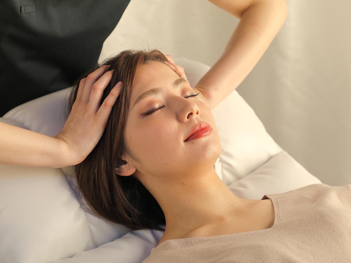 「睡眠」テーマのドライヘッドスパ専門店「meleep」施術の様子