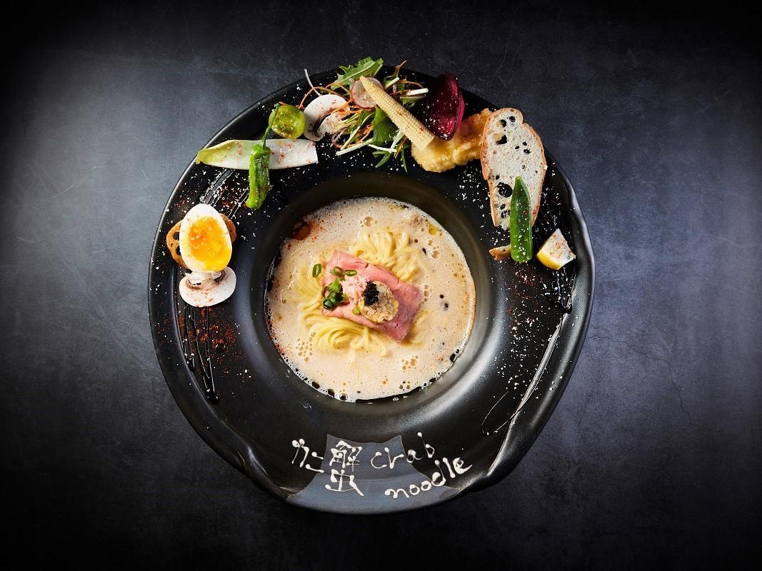 「プレミアム蟹noodle トリュフ仕立て」
