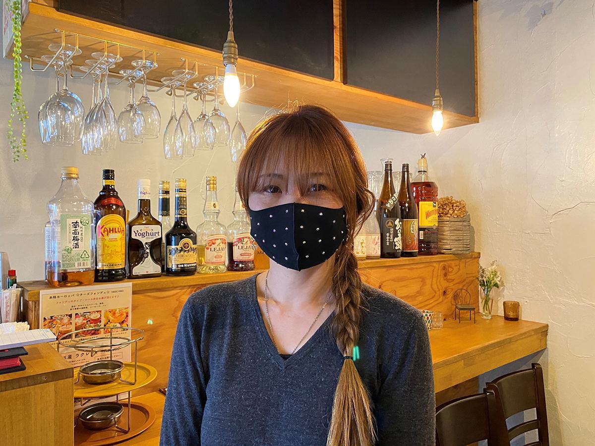 チーズ料理専門店「チーズの神様」店主の岡本奈々さん