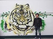 高知のガソリンスタンドに大型ウォールアート 「動物園」をイメージ