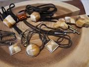 高知にウッドファッション工房「Commit&co.」 県産材を使ったネックレスや食器類も