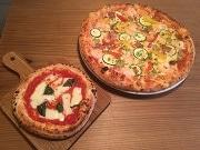 荻窪のピザ店が1周年 ワンコインのポコサイズを食べ比べ