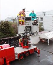 荻窪消防署で火災予防フェス 庁舎を開放、はしご車乗車体験やAED訓練も
