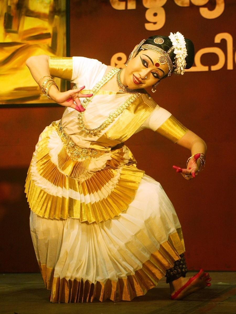 インド舞踊家の丸橋さん