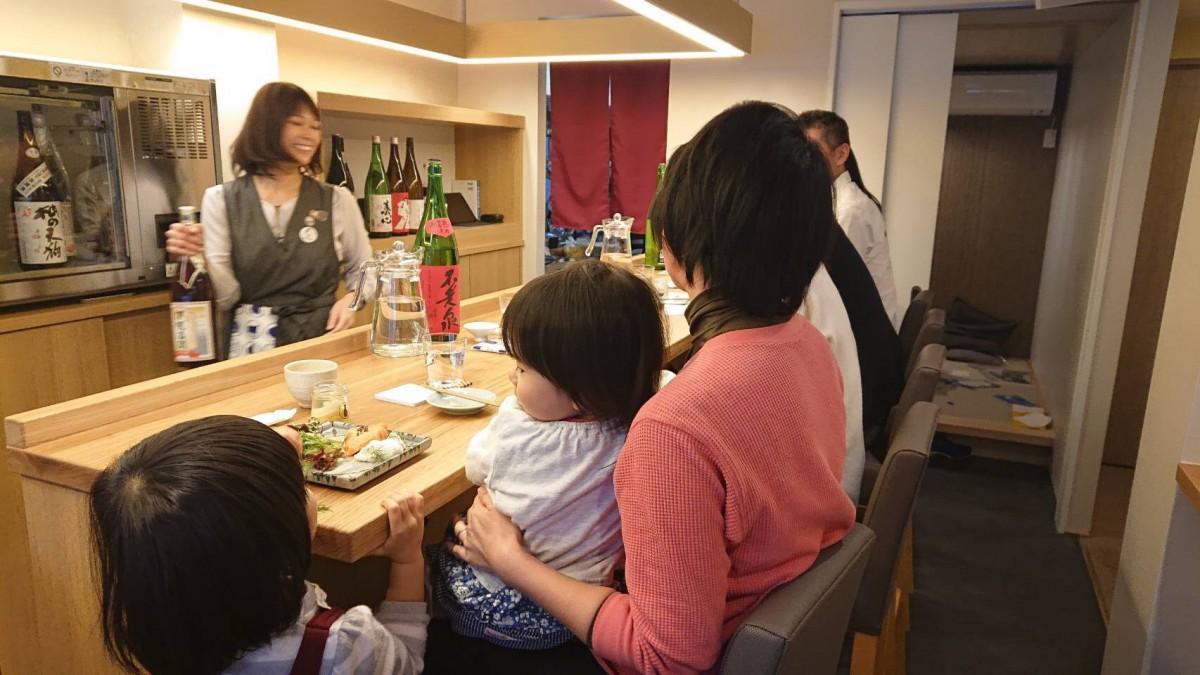 日本酒バー「へなちょこ」店内