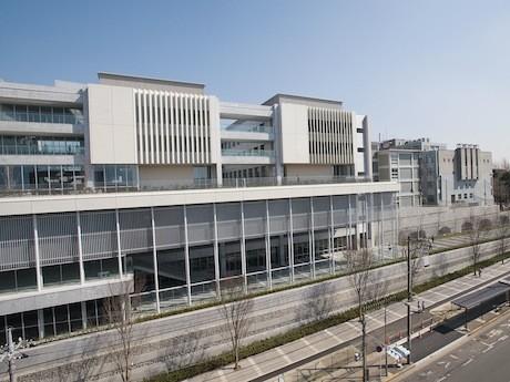 イベントが開催される慶應義塾大学日吉キャンパス「独立館」