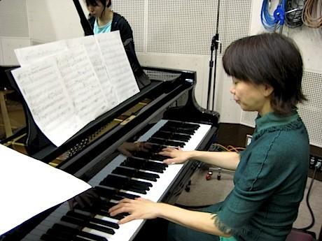 当日ピアノ演奏を行うアレンジャーでNPO法人I LOVEつづきの岩室晶子さん