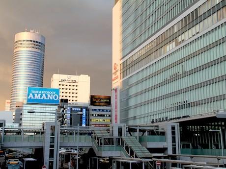 新横浜駅周辺の3会場で開催される