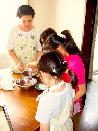 小学生たちが1日限定の「小学生食堂」を運営する