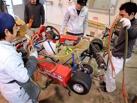 レーシングカート製作の様子