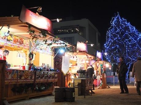 今年はヒュッテ(山小屋風店舗)でビールなどが提供される