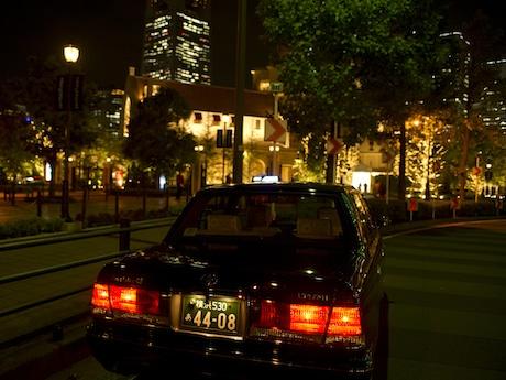 夜の新横浜周辺の心霊スポットをタクシーで巡る。注意事項は「決して1人では乗車しないこと」