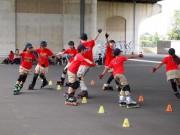 新横浜でインラインスケートスラローム体験会 横浜市ローラースポーツ少年団主催