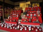 仲町台の古民家で7段飾りのひな人形 つるし飾りなども展示