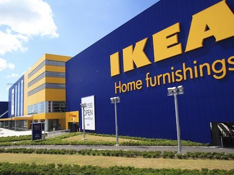 日本では2006年4月に1号店のIKEA船橋(千葉県船橋市)がオープンした。同年9月にはIKEA港北が国内2店舗目としてオープンしている。
