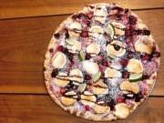 石窯焼きピザ提供する「CONA たまプラーザ店」、バレンタイン限定ドルチェピザ