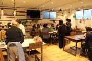 都筑の町工場にあるカフェでミモザリースづくりのワークショップ