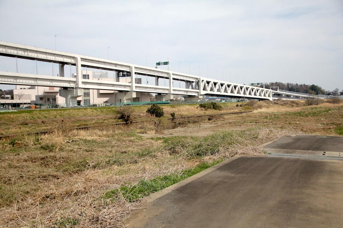 きたせん新横浜出入口付近