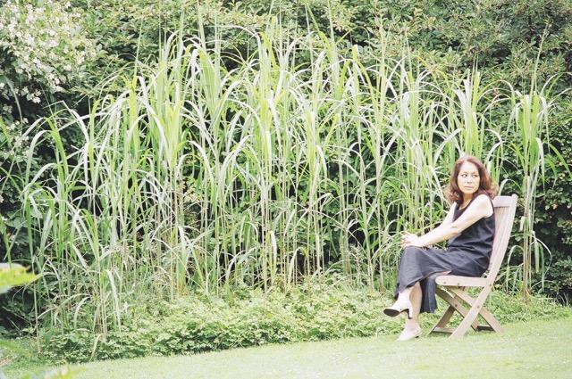 講師を務めるガーデンデザイナーの麻生恵さん