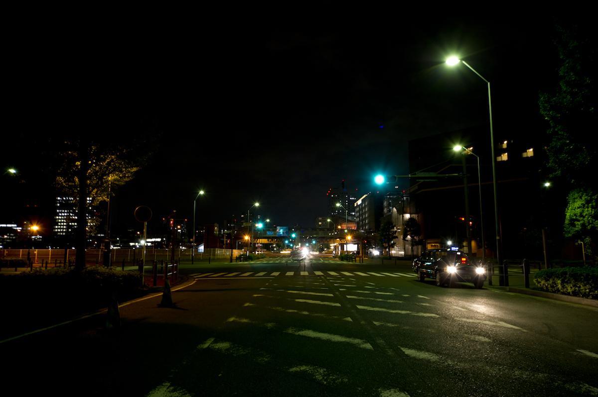 夜の心霊スポットをタクシーで巡礼する
