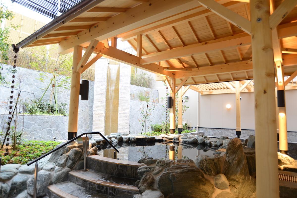 館内の天然温泉も楽しむ