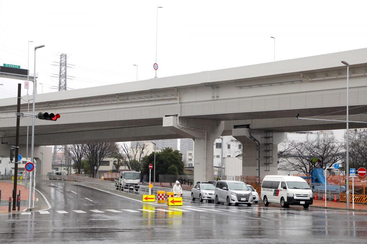 東方町交差点から横浜港北ジャンクションまでを結ぶ
