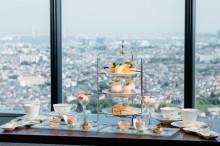 新横プリンス最上階でアフタヌーンティー 桃とマンゴーのスイーツ楽しむ