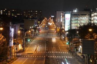 「トトロ」が区役所通りにくっきり センター南の夜景スポット