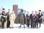 小倉駅新幹線口に「銀河鉄道999」銅像-除幕式に松本零士さんも