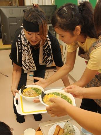 「時計台ラーメン」(小倉南区)の「味噌ラーメン」を提供した。'