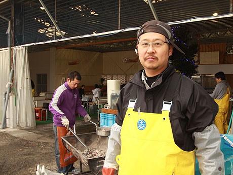 市内で焼き肉店2軒を経営する金元英鷹さん。