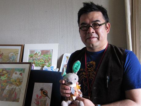 2012年1月から「一日一枚絵」として描き続けている絵は500枚を超えた。「北九州の山下清」の異名をとる浜方コオさん
