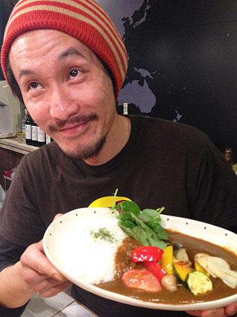 「野菜を食べる野菜カレー」を提供する「丸玉カレー」の生駒さん
