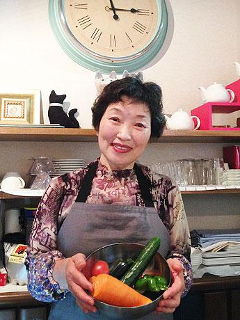 多くのメニューは「友人らと作る無農薬野菜を使った」