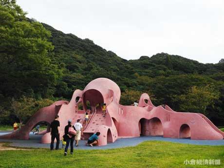 和布刈公園「潮風広場」のタコ山