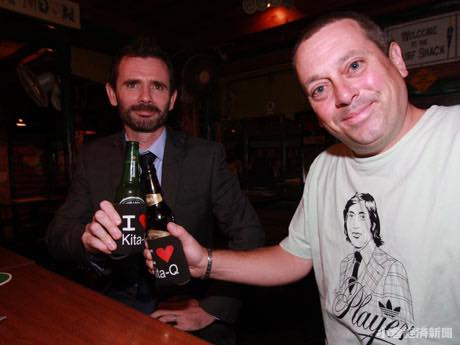 マットさん(右手前)とダミアンさん
