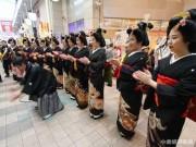 小倉で「十日ゑびす祭り」 芸者ら20人が「ヨイヨイヤー」景気浮揚願う