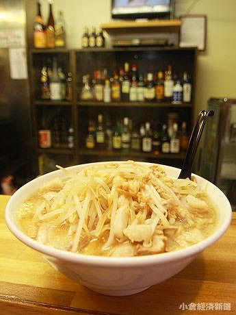 麺400グラムの「大ラーメン」(750円)