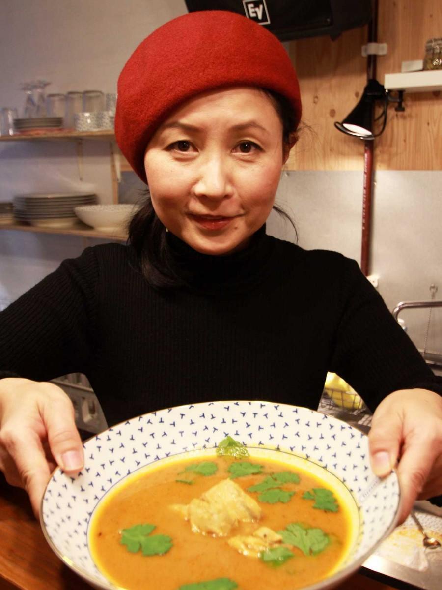バンド「ウィニャイ インティ」でボーカルを担当する池崎由美子さん