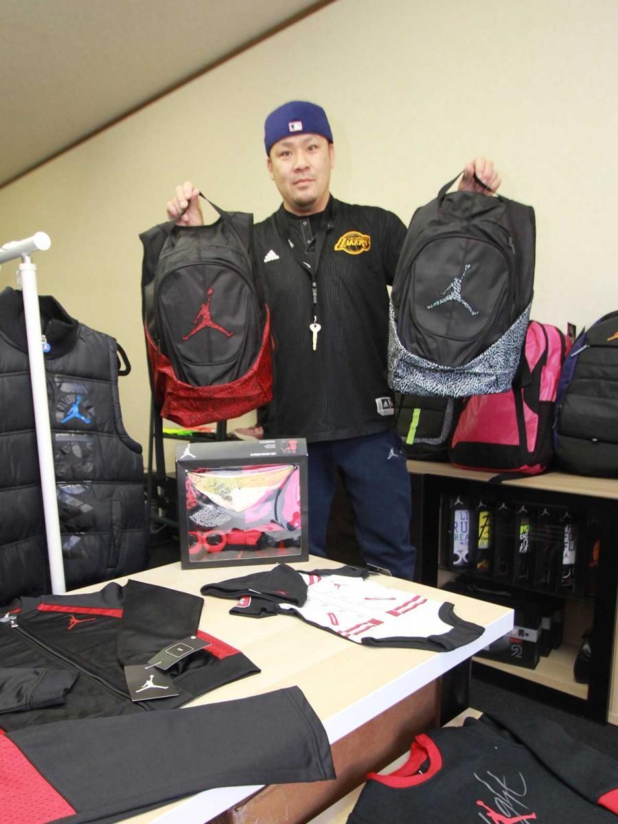 北九州にバスケウエア専門店 「内外価格差」に着目、元高校教師が独立開業