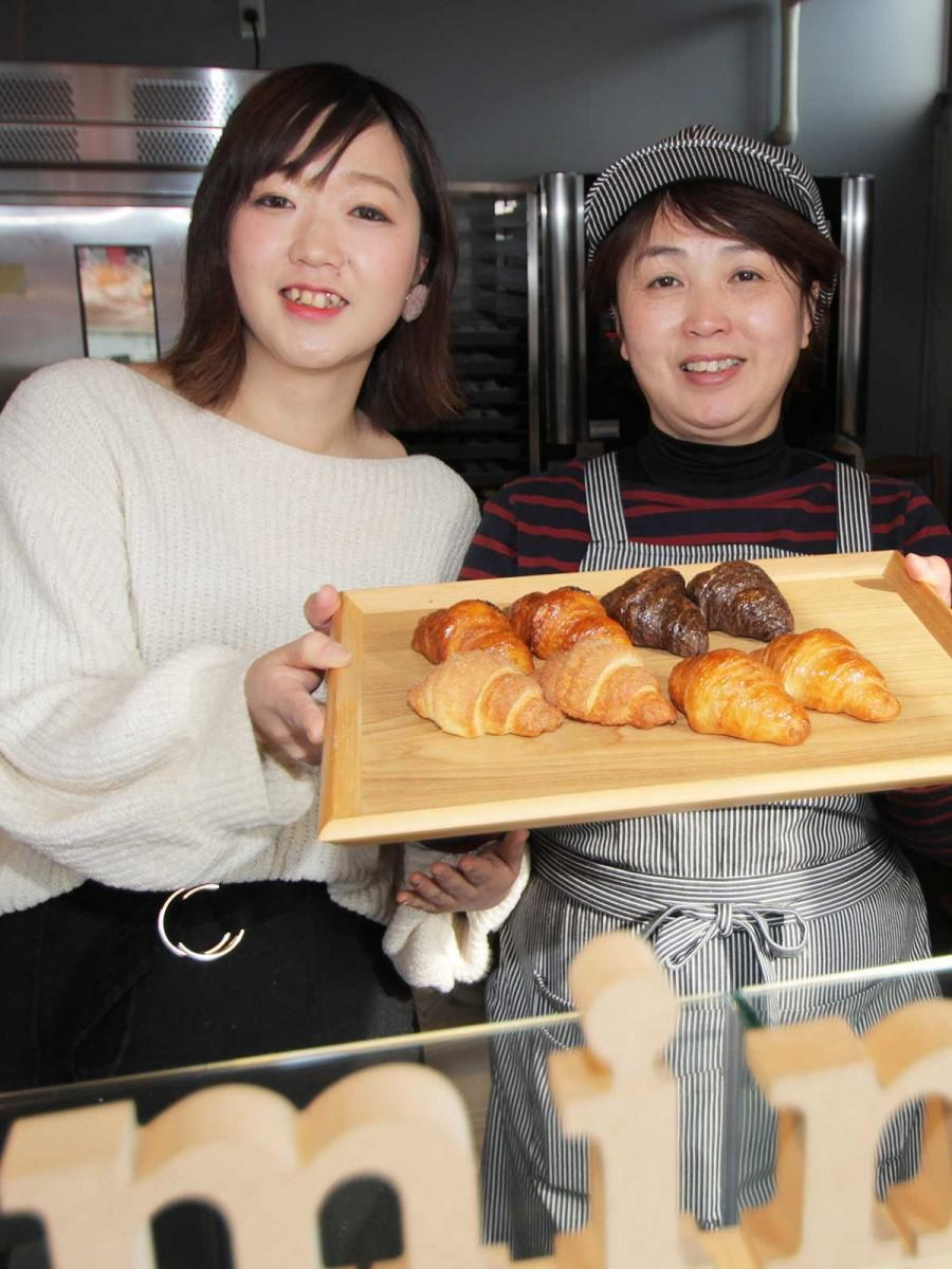 元山久子さん(右)と貴愛さん