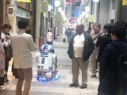 小倉の魚町銀天街に実物大「R2-D2」ロボット出現 「スターウォーズ」ファンが自作